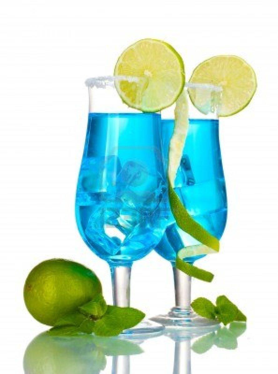 cocktail-blu-in-bicchieri-