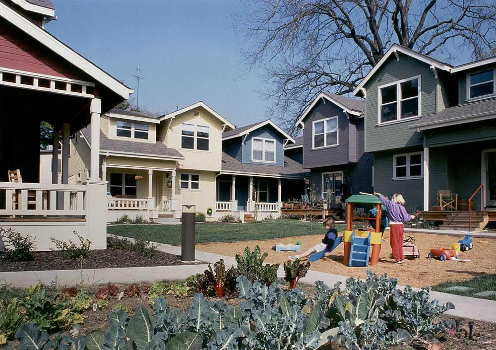 Risultati immagini per abitare in cohousing