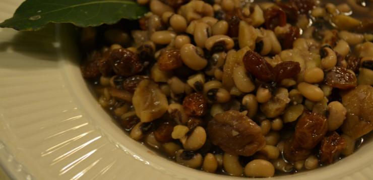 Minestra di fagioli, castagne e uvetta
