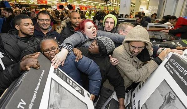 Black Friday, costa troppo all'ambiente