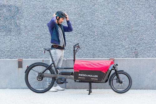 Dopo il successo del modello Load, nasce la seconda E-Cargo bike di Riese & Müller: Packster.