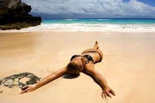 Linea solare vegana per abbronzarsi al mare