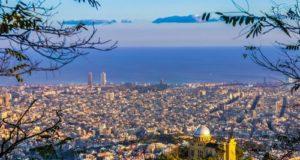 Barcellona, parte una nave di libri