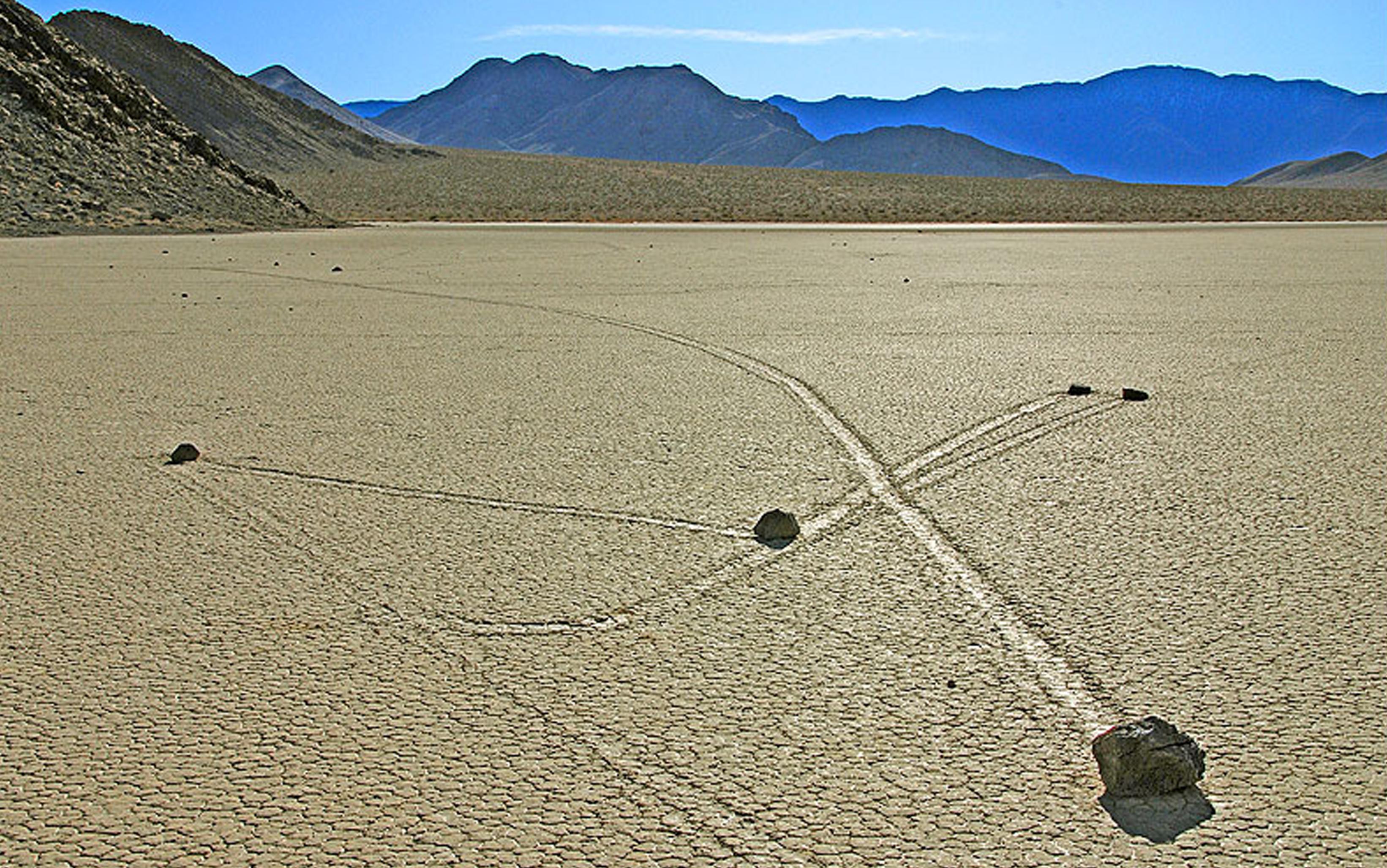 Sliding rocks, il mistero della Death Valley
