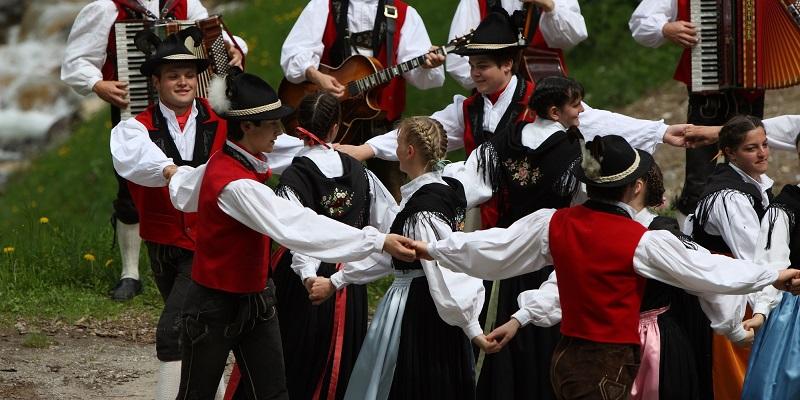 Folklore e Tradizione