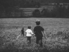 Coronavirus: bimbi più poveri senza estate